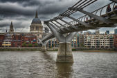 Millennium Bridge in London — Foto Stock