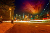Skyline of Manhattan at sunset from Brooklyn streets, New York — Stockfoto