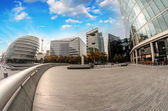 Modern architecture and parks of London on the southern side of — Stockfoto