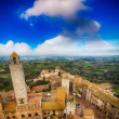 Classic medieval town of San Gimignano, Italy. Beautiful skyline — Stock Photo