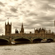 Terrific view of Westminster Bridge and Houses of Parliament, Lo — Stock Photo #35087289