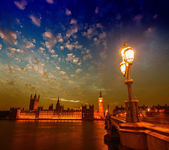Gorgeous view of Westminster Bridge and Palace at sunset - Londo — Stock Photo