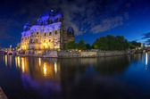 Berlin Landmarks and Buildings after sunset with river spree and — Foto de Stock