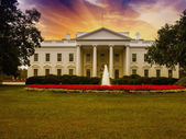 White House with Gardens and Sky — Stock Photo