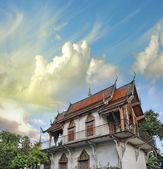 Thailand sunset sky above beautiful Temple, religious asian symb — Stock Photo