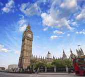 The Big Ben and Double Decker Bus in London — Stock Photo