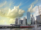 New York City. Beautiful skyline in summer season — Stockfoto