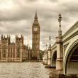 Terrific view of Westminster Bridge and Houses of Parliament, Lo — Stock Photo #35527969