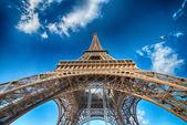 Geweldig uitzicht op de eiffeltoren in winterseizoen, parijs. — Stockfoto