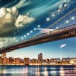 The Brooklyn Bridge Park, New York. Manhattan skyline at summer  — Stock Photo