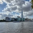 London City Hall Skylines along River Thames against blue sky, E — Stock Photo