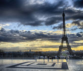 Winter sunrise in Paris, Eiffel Tower view from Trocadero — Stock Photo