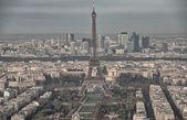 Paris. Aerial view of famous Eiffel Tower. La Tour Eiffel — Stock Photo