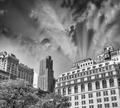 Colourful sky over New York buildings - Summer season — Stock Photo