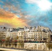 Paris, France. Magnificent ancient buildings at sunset — Stock Photo