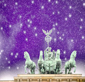 Quadriga magnificent landmark in Berlin night - Brandenburg Gate — Stock Photo