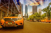 Yellow Cabs in New York. Taxis speeding up near Central Park — Stock Photo