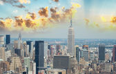 New York. Aerial view of Midtown Manhattan with famous buildings — Stock Photo