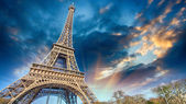 Beautiful view of Eiffel Tower in Paris — Stok fotoğraf
