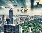 Dusk over Central Park in New York. Magnificent aerial view — Stock Photo