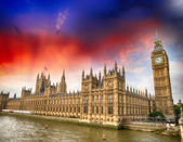 Palace of Westminster at sunset, London. Houses of Parliament — Foto de Stock