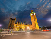 ロンドン、イギリス。ウェストミン スター宮殿の素晴らしい景色. — ストック写真