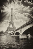 Paris - Beautiful view of Eiffel Tower — Stock Photo
