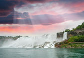 Magnificence of Niagara Falls. Wonderful colors of nature — Stock Photo
