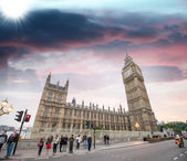 London. Westminster Bridge and Houses of Parliament with Big Ben Tower — Stock Photo