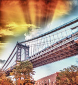 Colors of Manhattan Bridge at dusk — Foto Stock