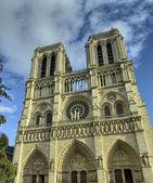 Notre-dame de paris catedral fachada, francia — Foto de Stock