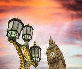 Big ben och london lyktstolpe — Stockfoto