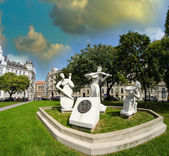 Sculpture in a square of Vienna — Stock Photo
