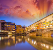 Arno river and Ponte Vecchio — Stock Photo