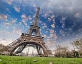 Eiffel Tower and Paris Sky — Stock Photo