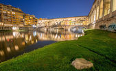Florence with Ponte Vecchio and Arno river — Stock Photo