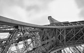 Eiffel Tower. La Tour Eiffel in winter — Stock Photo