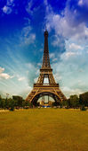 Tower view from Champs de Mars garden — Stock Photo