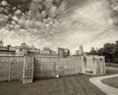 Tower of London famous royal castle — Stock Photo