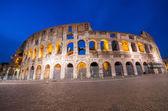 Rome, le colisée. vue de nuit — Photo
