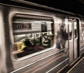 Subway train moving in Manhattan station, New York City — Stock Photo