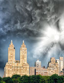 Buildings along Central Park in Manhattan, New York City — Stock fotografie