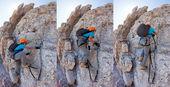 Jovem rapaz escalando uma via ferrata nas dolomitas italianas. — Foto Stock