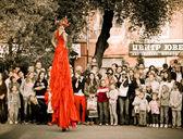 """Theater on stilts """"Show Giants """" — Stock Photo"""
