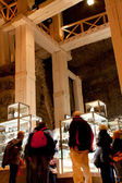 WIELICZKA, POLAND - OCTOBER 21, 2013: Tourists in the souvenirs — Stock Photo