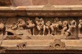 Tallados en las paredes del templo de khajuraho 930-950 d.c — Foto de Stock