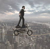 Kaufmann und akrobatische herausforderungen — Stockfoto