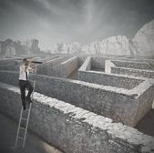 Procurando a solução do labirinto — Foto Stock