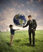 Ayudar a la nueva generación — Foto de Stock