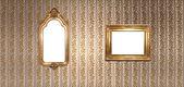 Gold frames in a vintage room — ストック写真